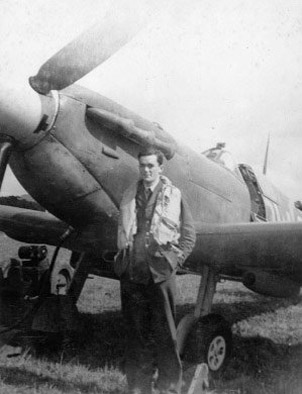 Tony Gaze War hero Fighter ace DFC and 2 bars