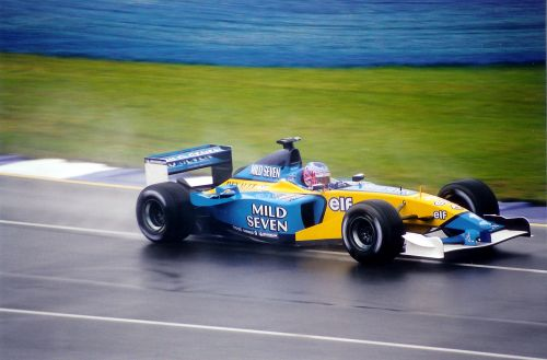 AGP_2002_BUTTON_RENAULT.jpg
