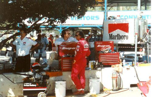 Fittipaldi_pits_SURFERS_INDY_91.jpg