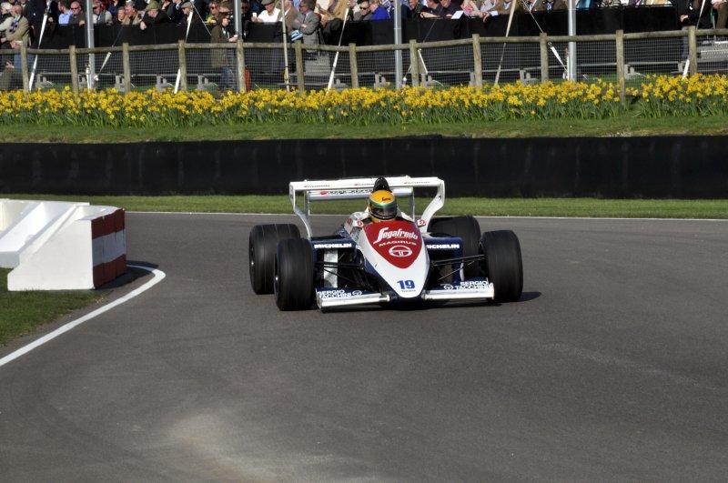 Turbo F1 Demo 19 David Alston Toleman TG184 Hart 1.jpg