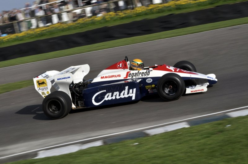 Turbo F1 Demo 19 David Alston Toleman TG184 Hart 3.jpg